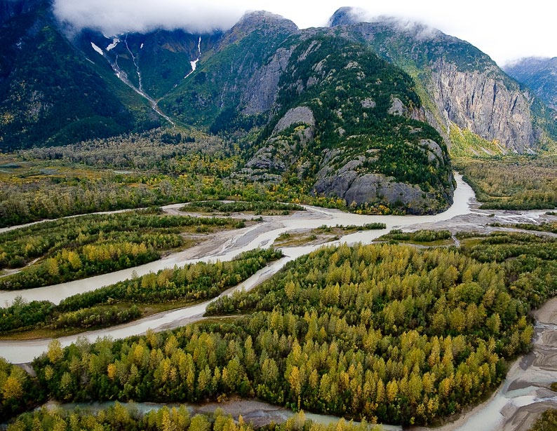 POLIS_A-Blueprint-for-Watershed-Governance-in-BC_Jan-2014_scenic photo